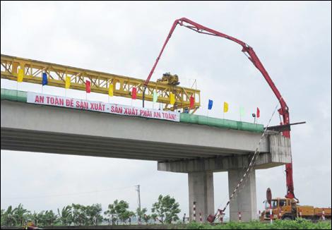"""Ngành GTVT Ninh Bình: Thực hiện tốt phương châm """"Đi trước, mở đường"""""""