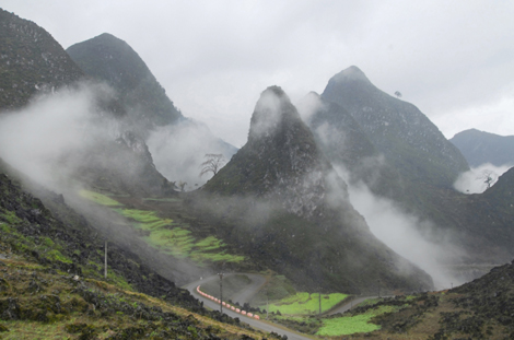 Quản Bạ: Khai thác và phát huy tiềm năng thương mại - du lịch