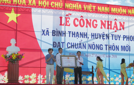Đưa Tuy Phong trở thành huyện  phát triển về công nghiệp và dịch vụ