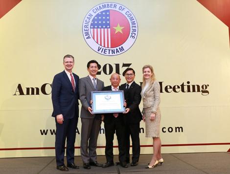 Dow Việt Nam lần thứ ba liên tiếp được AmCham trao Giải thưởng đóng góp vì cộng đồng