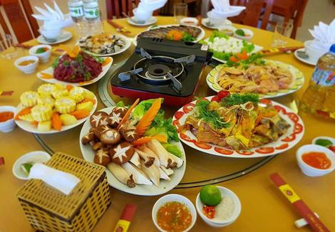 Nhà hàng Thiên Phú thu hút nhiều đoàn khách du lịch lớn