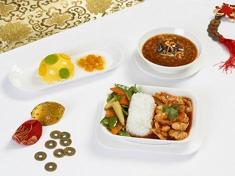 Thưởng thức hương vị Tết trên chuyến bay và phòng chờ sân bay của Emirates