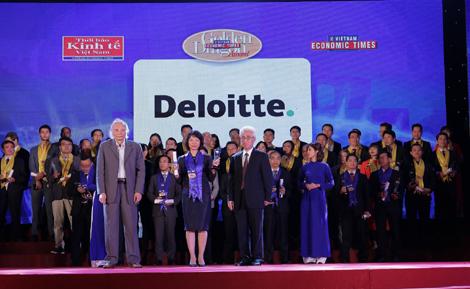 """Deloitte Vietnam đạt """"Top 10 doanh nghiệp Rồng Vàng tăng trưởng bền vững tại Việt Nam"""""""