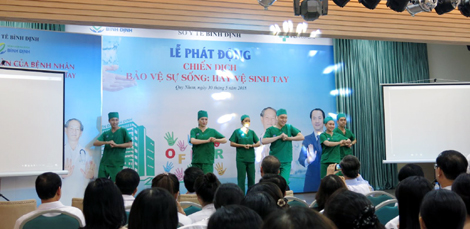 Phát triển nguồn nhân lực y tế - nền tảng nâng cao chất lượng khám chữa bệnh