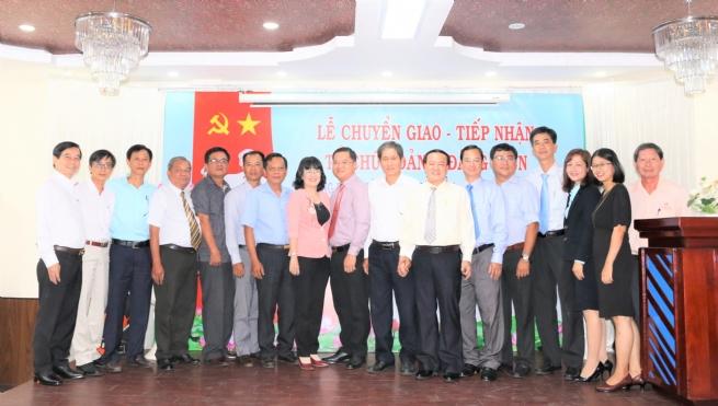 Lễ chuyển giao và tiếp nhận tổ chức Đảng và đảng viên