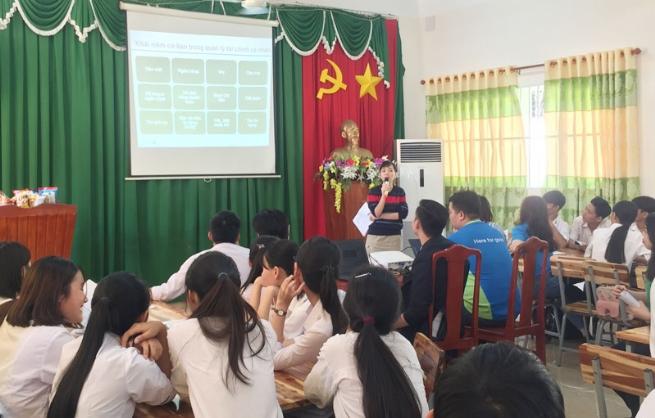Ngân hàng Standard Chartered Việt Nam đào tạo kiến thức tài chính cho hơn 1.100 học sinh trong năm 2019