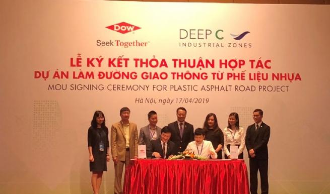 Dow và Deep C hợp tác xây dựng đường giao thông từ phế liệu nhựa đầu tiên tại Việt Nam