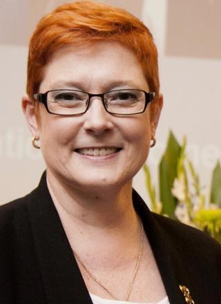 Bộ trưởng về Phụ nữ Australia thăm chính thức Việt Nam