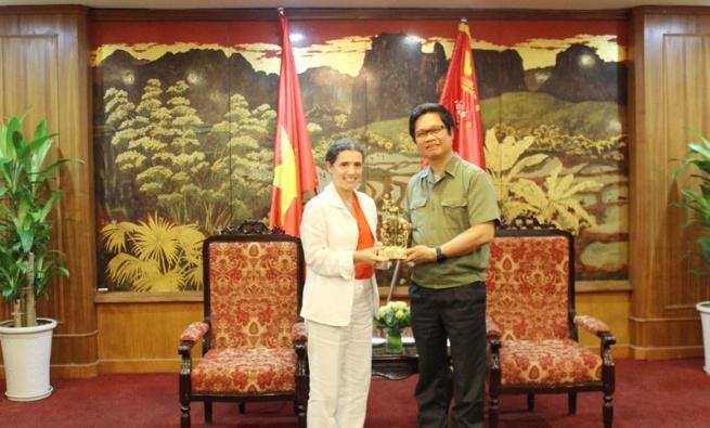 Thúc đẩy hợp tác giữa doanh nghiệp Việt Nam và Uruguay