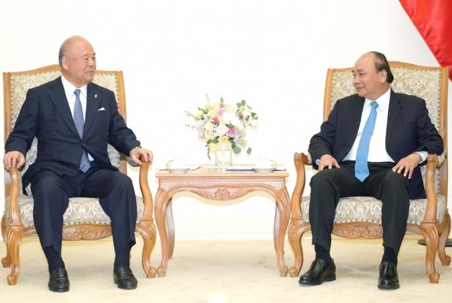 Thủ tướng tiếp Cố vấn Đặc biệt Liên minh Nghị sĩ Hữu nghị Nhật-Việt