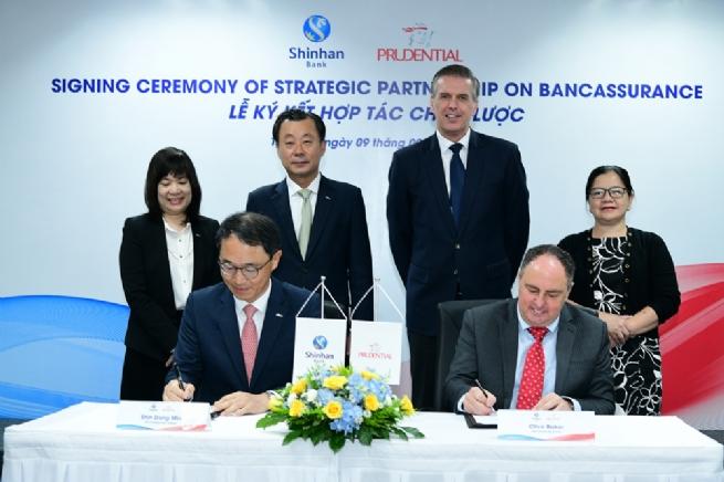 Ngân hàng Shinhan và Prudential Việt Nam ký kết hợp tác chiến lược