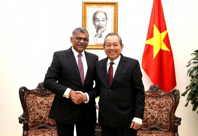 Phó Thủ tướng Thường trực tiếp Chánh án Toà án Tối cao Singapore