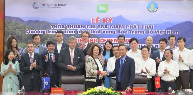 Vietnam, WB Sign Deal to Cut Carbon Emissions and Reduce Deforestation
