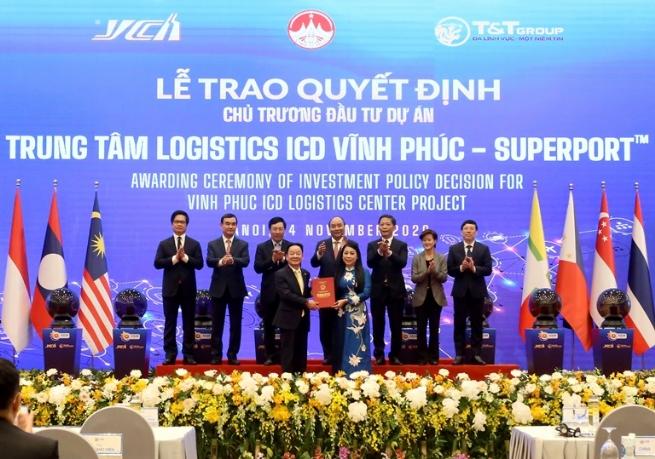 Vĩnh Phúc: Trao Quyết định chủ trương đầu tư dự án Trung tâm Logistics ICD Vĩnh Phúc