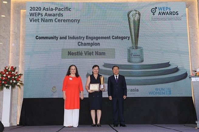 Nestlé Việt Nam vinh dự nhận 2 giải thưởng về trao quyền cho phụ nữ