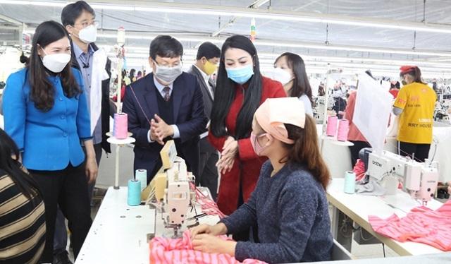Doanh nghiệp trong các KCN Vĩnh Phúc: Tuyển dụng nhiều lao động dịp cuối năm