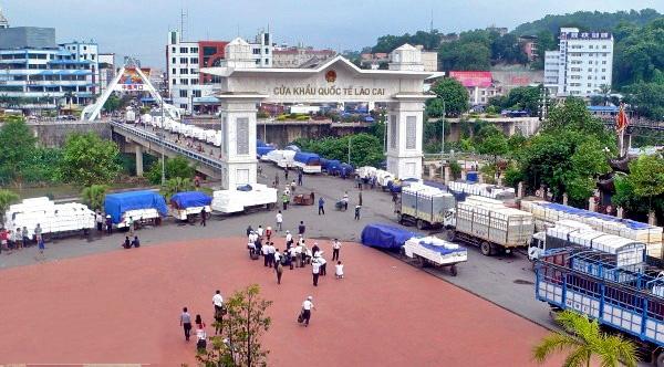 Hàng hóa nào được ưu tiên thông quan tại Lào Cai thời dịch Covid-19?