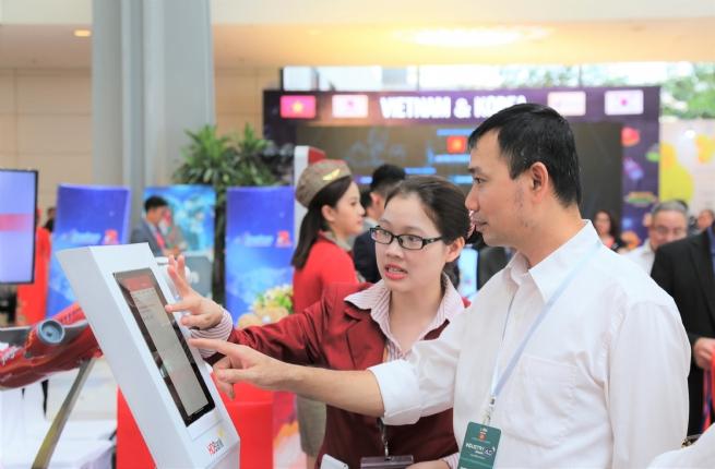 Tải App HDBank – Rinh Vespa sành điệu từ HDBank