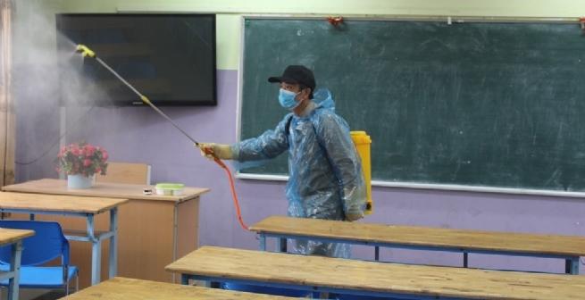 Các cơ sở giáo dục, đơn vị được sử dụng kinh phí CSSKBĐ để mua thuốc sát trùng và xà phòng chống dịch Covid-19