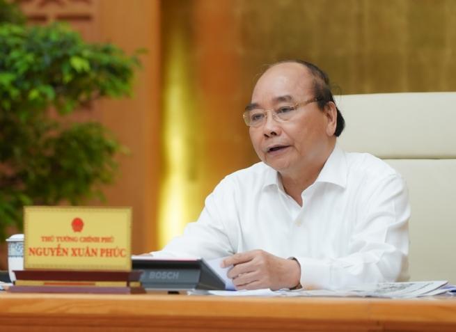 Thủ tướng: Chuyển sang giai đoạn chống dịch dài hơi hơn, cùng với phát triển KTXH