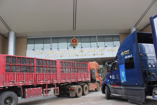 Import-export Value in Lao Cai Customs Rebounds Sharply