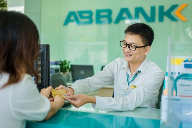 Hoàn thiện tới 5% khi khách hàng mua sắm bằng thẻ ABBank VisaTravel