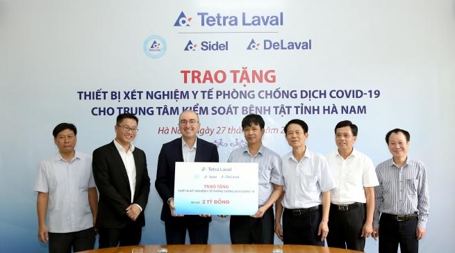 Tập đoàn Tetra Laval trao tặng Trung tâm Kiểm soát bệnh tật tỉnh Hà Nam thiết bị xét nghiệm y tế phòng, chống dịch COVID-19