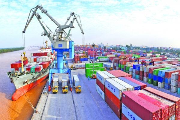 Cán cân thương mại của Việt Nam thặng dư kỷ lục