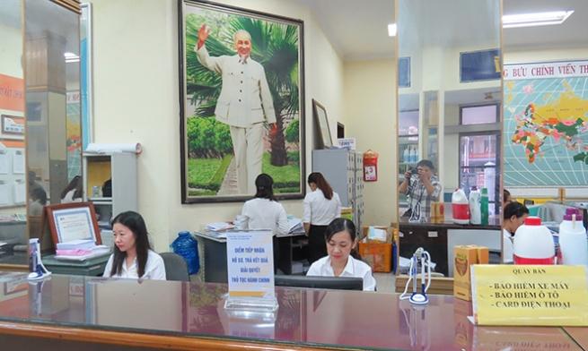 """Bưu điện Quảng Bình: """"Cánh tay nối dài"""" phục vụ nhân dân"""