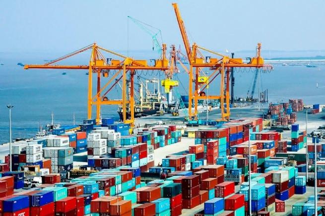 Tổng trị giá xuất nhập khẩu hàng hoá của Việt Nam ước đạt 53,5 tỷ USD