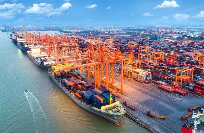 Xuất nhập khẩu của Việt Nam phục hồi mạnh mẽ, xuất siêu 2 tỷ USD