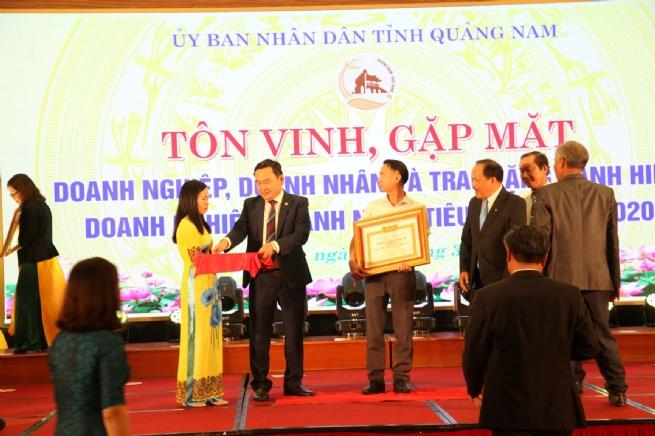 Tạo cầu nối vững chắc vì sự phát triển DN Quảng Nam