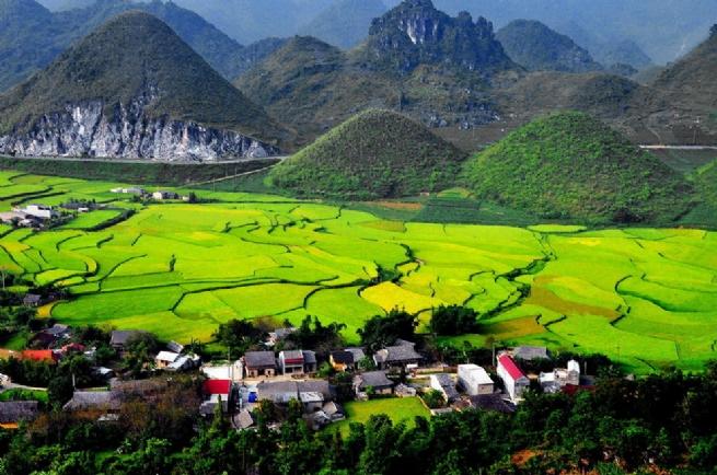 Huyện Quản Bạ: Đầu tư hài hòa các lĩnh vực đảm bảo an sinh xã hội trên địa bàn