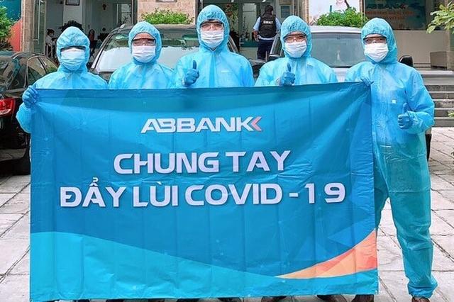 Geleximco và ABBANK tặng 500 máy thở hỗ trợ điều trị bệnh nhân Covid-19 cho TP. HCM