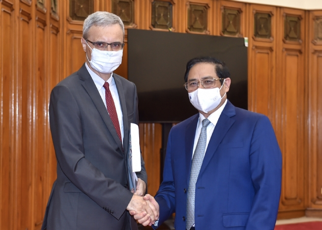 Thủ tướng đề nghị Pháp tăng cường hỗ trợ Việt Nam về vaccine, nâng cao năng lực y tế và phát triển công nghiệp dược